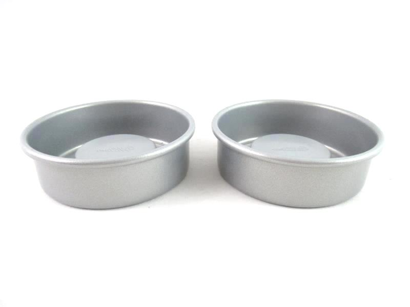 Lot of 2 Wilton Mini Circle Cake Pans Non Stick Gray Indent for Filling