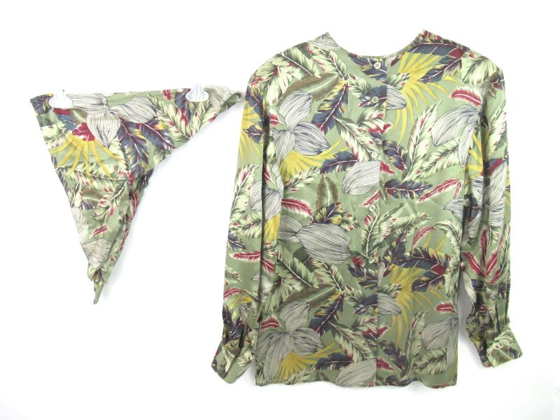 Vintage Doncaster Silks Women's Blouse With Scarf Button Up Back Size 8