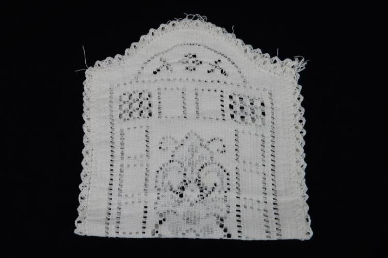 Lot of 2 Hand Made White Doilies Rectangular Circle Lace Runner