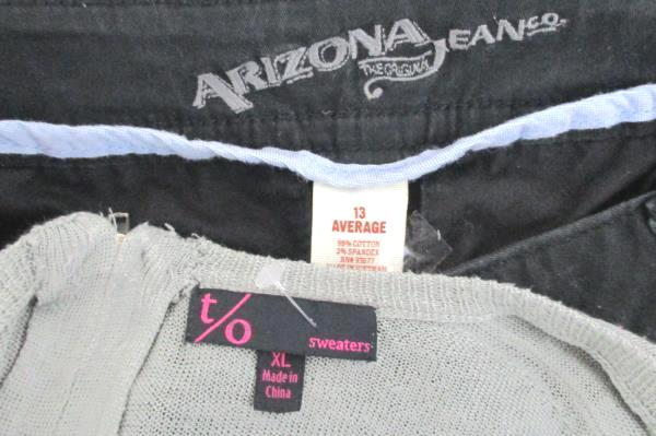 Lot of 2 Women's Black Arizona Denim Jeans 13 AVG Plus Gray T/O Sweater XL