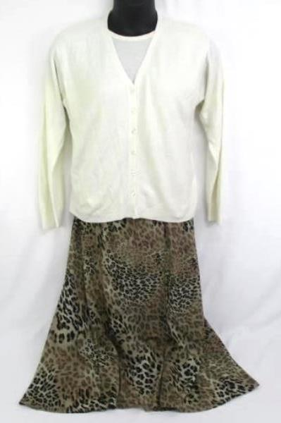 Women's Outfit Idea- Norton McNaughton Skirt & Faux Layered Knit Sweater Sz M