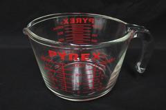 Vintage Pyrex 4-Cup 532 Glass Measuring Cups Open Handle