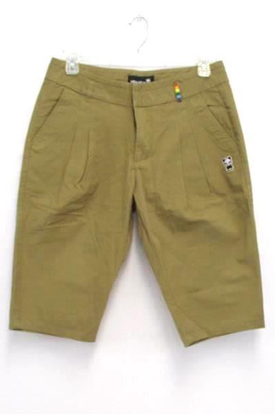 Women's Outfit On The Byas Black T-Shirt Hi Panda Shorts Rainbow Pocket Size L
