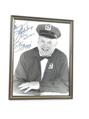 """Framed And Autographed Gordon Jump Maytag Man Photograph 8"""" x 10"""""""