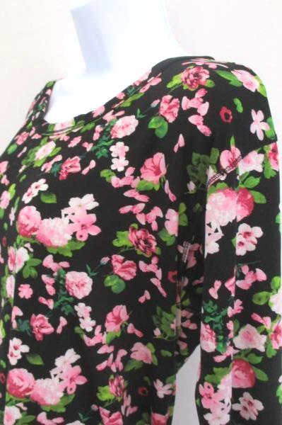 Polly & Esther Size Medium Blouse Top Black w/ Pink Flowers Criss Cross Back