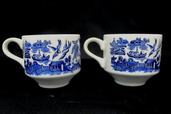 Mixed Set of 4 Vintage Blue & White Tea Coffee Cups Churchill England, Japan