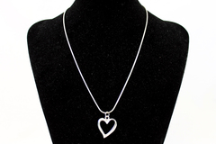 "18"" Silver Tone Chain w/ Open Heart Pendant Necklace"