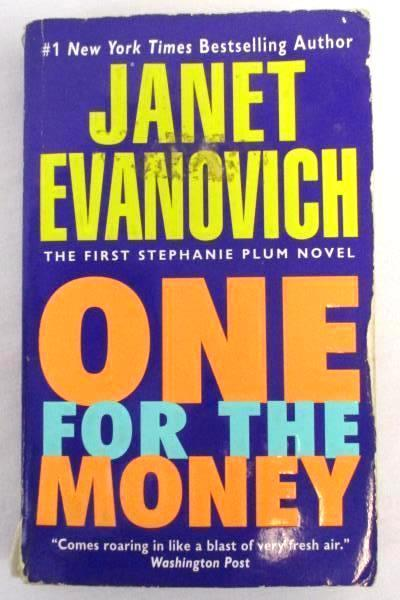 BOOK LOT 4 Suspense Thriller Paperback Detective Janet Evanovich Preston & Child