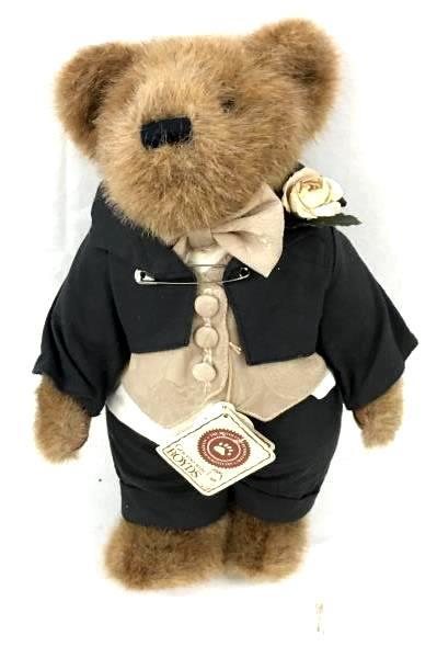 "Gen Yoo Wine Boyds T.J. Bear 'Best Dressed' Edition ""Bares and Hares"""