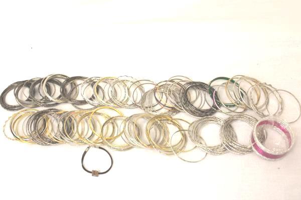 Huge Lot of 1.70 Lbs Of Bangle Bracelets Metal Silver Black Gold Amount 160