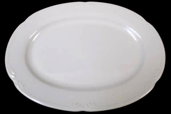 Dinner Plate by Pfaltzgraff White Oval Line Design Unknown Material