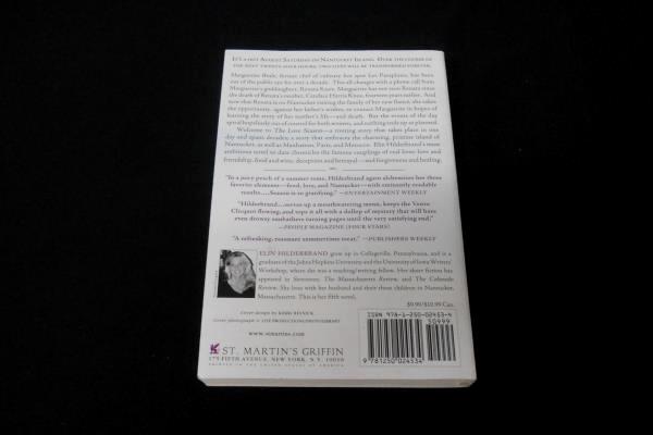 The Love Season- a Novel by Elin Hilderbrand 2006 Paperback