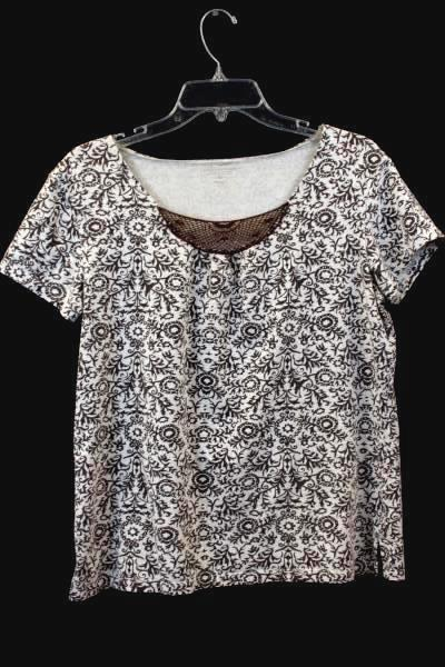 Top By GREAT NORTHWEST White Brown Design Neck Netting Women's Size Large