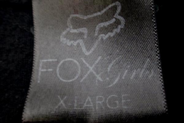 T-shirt by Fox Girls Black w/ Gray Grey & Purple Design Junior Size XL