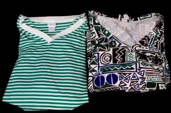 Lot of 2 T-Shirts By Honors & Star Cody Green White Blue V-Neck Women's Size L