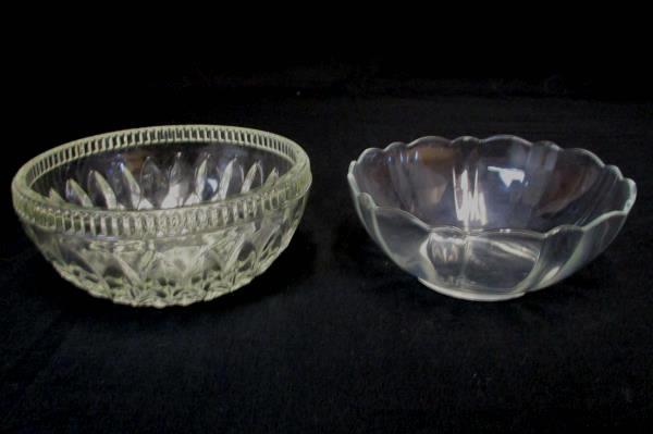 "Set of 2 Arcoroc France Glass Serving Bowls 5"" Diamond Cut & 5"" Scalloped Edge"