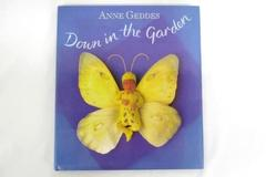 1996 Ann Geddes Bumblbee, Lady Bug and Book Down In The Garden