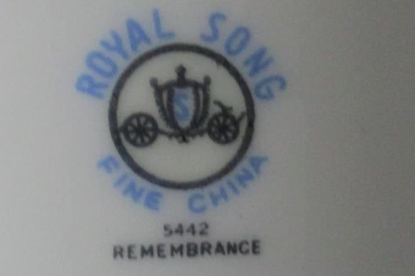 "Set of 2 Royal Song #5442 ""Remembrance"" Platinum Gilt Berry / Dessert Bowls 5.5"""