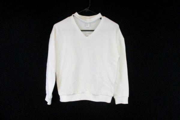 Forever 21 Junior's Women's White Sweater Size 13/14 *With Tag*