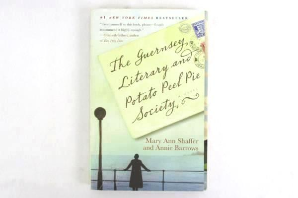 The Guernsey Literary and Potato Peel Pie Society by Shaffer & Barrows 2009 PB