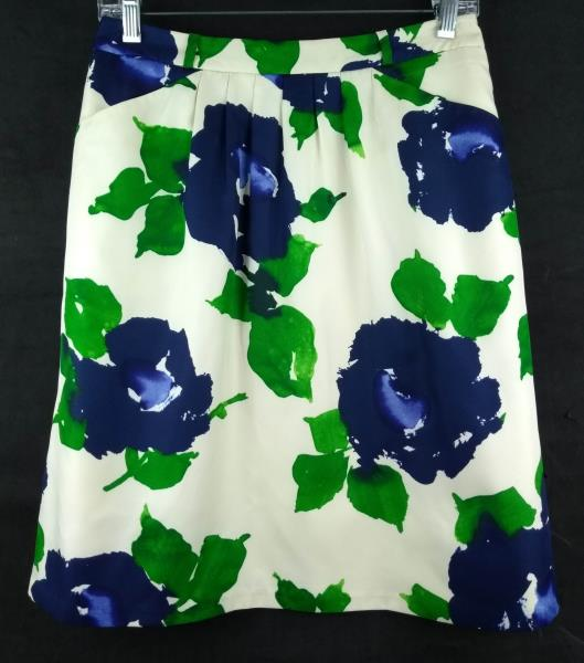 OUTBACK RED Ivory & Blue Floral Print Career Skirt Pleated Front w/ Pockets ~ XS