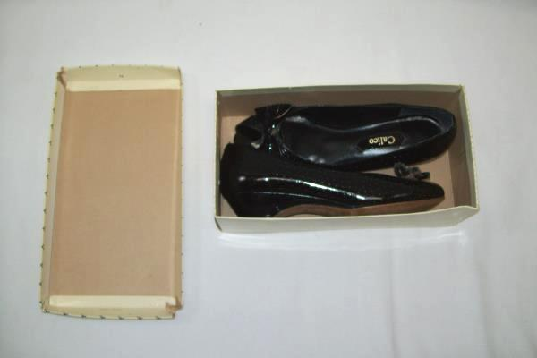 Calico Women's Black Wedges Bow Size 7 1/2 ~ Box Included