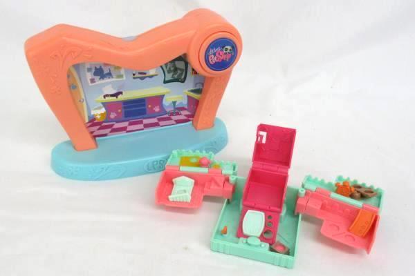 Littlest Pet Shop Stage and Pop-Up House Cube 2007 2008 Hasbro Orange Blue
