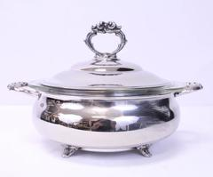 English Silver Manufacturing Co Serving Dish Casserole Pyrex Bowl Lining Covered