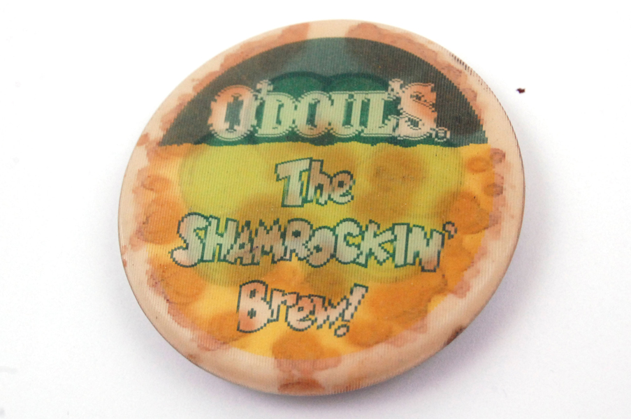 Vintage O' Doul's The Shamrockin Brew Holographic Pin Button