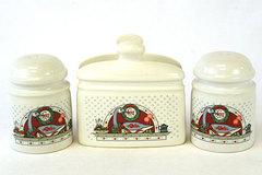 Holiday Christmas Wreath Geese Joy Stoneware 3 Piece Salt Pepper Shaker Napkin