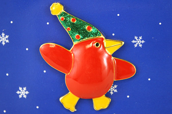 Papel Giftware Let It Snow Red Penguin Pin Brooch