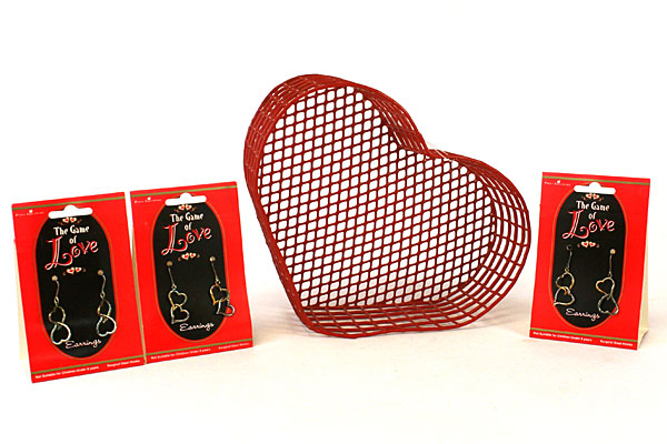 Papel Giftware Sweetheart Station Basket and 3 Pairs of Game of Love Earrings