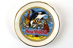 1982 Sea World Miniature Decorative Souvenir Plate