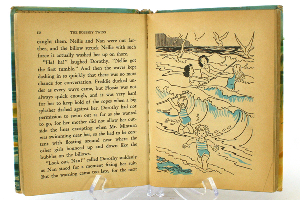 1954 Whitman Hard Cardboard Bound The Bobbsey Twins At The Seashore