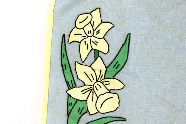 Hand Made Linen Place Mat With Bias Trim And Daffodil Decor