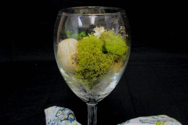 Set 4 Wine Glasses W/ Natural Earthy Filler Blue Green White Napkin Table Decor