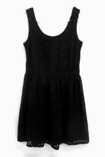 Love Reign Sleeveless Little Black Dress LBD Elastic Waist Crochet Overlay Sz M