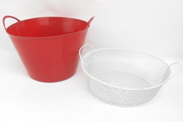 Patio Entertaining Set Plastic Dinnerware Pitcher Basket Bucket