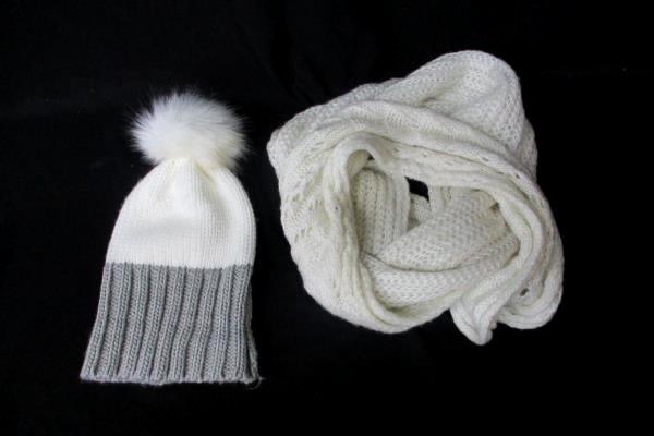 Winter Wardrobe Accessories Lot 2 Pieces Aldo Scarf & Apt.9 Beanie