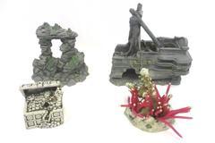 Fish Tank Accessories Decorations Aquarium Collectibles Lot of 4 Ship Chest Cave