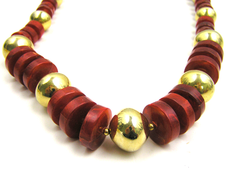 """15"""" Red Disk & Gold Bead Metal Orbed Bead Necklace"""