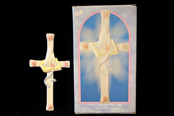 Enesco Gift Gallery Praying Hands Porcelain Cross 446289