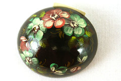Finely Hand Painted Russian Lacquer Brooch FLORAL OVAL