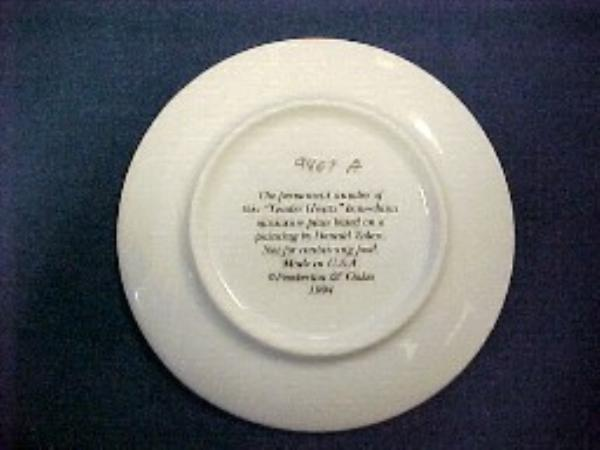 Donald Zolan TENDER HEARTS 3.25 In. Miniature Plate