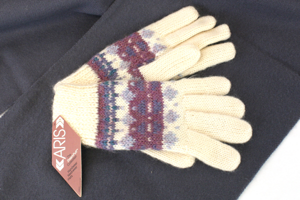 Wool Gray Shawl Wrap Scarf & Cream Colored Aris Dreampuff Knit Gloves
