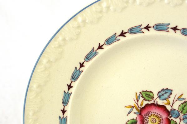 Lot of Three England Wedgwood Evenlode Corinthian Dessert Plates