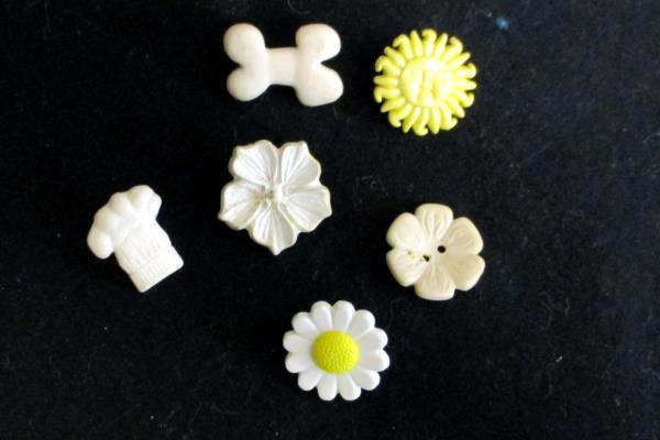 Lot of 6 Vintage Unique Sewing Buttons 3 Different Flowers Sun Dog Bone Chef Hat