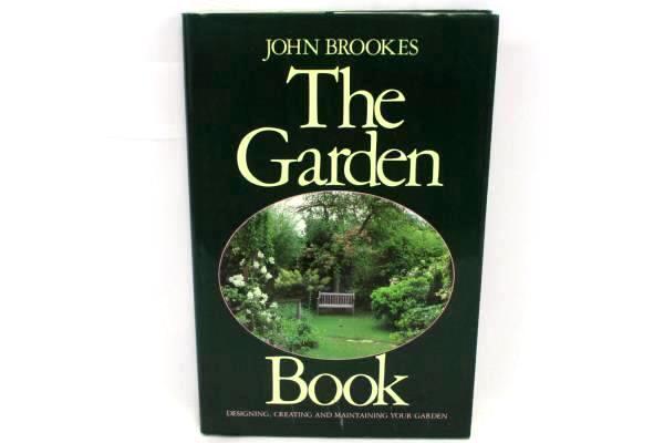 The Garden Book by John Brookes HCDJ Crown 1st American Ed 5th Printing 1986