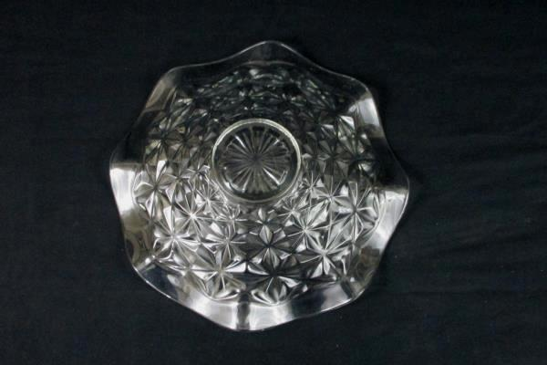 Clear Contemporary Glass Serving Bowl Flutter Edge Geometric Pattern