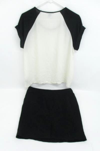 Women's Career Business Outfit Romy Black Pencil Skirt Forever 21 Blouse M